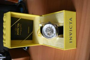 reloj invicta nuevo con maquinaria visible skeletor