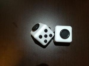 Fidget spinner y fidget Cube