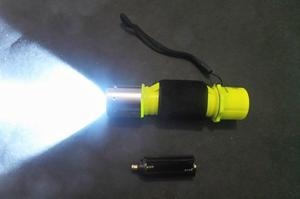 Linterna Lámpara Buceo Led Lum 50 m de Profundidad