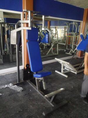 Peck Deck Cracken Gym Gimnasio