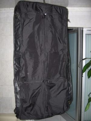 Porta trajes de cuero genuino con nueve bolsas, color negro
