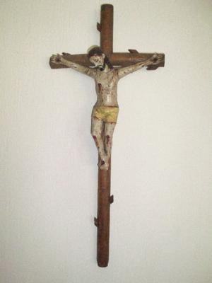 Antiguo Cristo Tallado en Madera