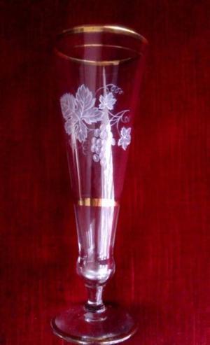 Copa Antigua Cristal Grabado Filos de Oro Champagne 20x7 cms