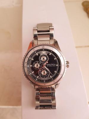 Estupendo reloj marca náutica ng