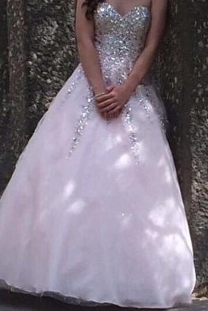 Hermoso vestido de xv años o graduación