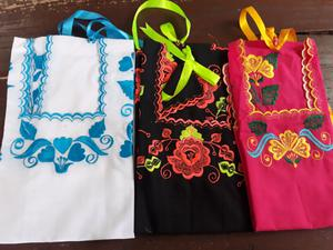 Blusas bordadas yucatecas