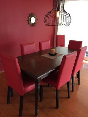 Se vende mesa de madera para 8 personas posot class for Mesa y sillas para 8 personas