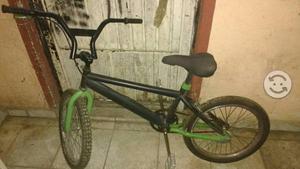 Bicicleta vg para salto