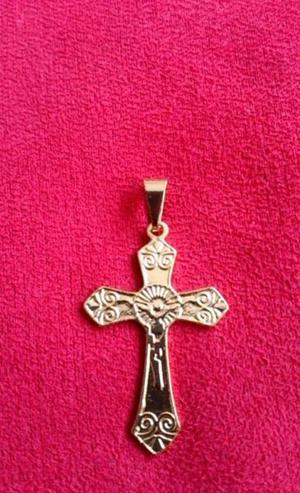 Dije Cristo en Chapa de Oro 18 Kilates 35 x 18 mm.