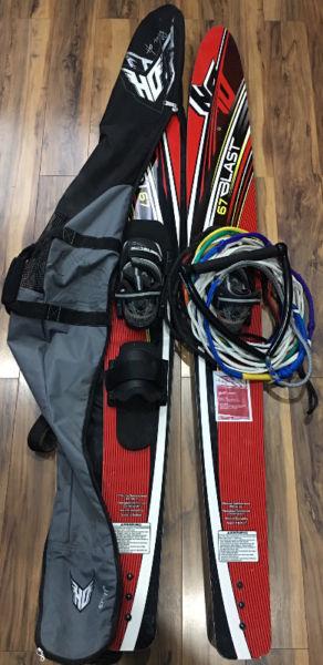 Esquís Acuáticos HO 67Blast con Cuerda y Manija (Water
