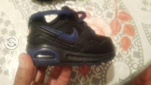 Tenis nuevos para bebe Nike 10 cm