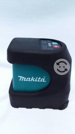 Nivelador Laser Makita Sk102 Linea Cruz Autonivela