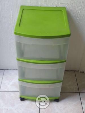 Cajonera multiuso mediana plástico verde Sterilite