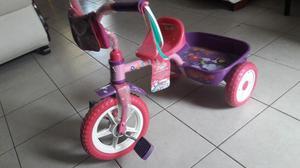 Se vende triciclo de niña apache modelo trixie 937
