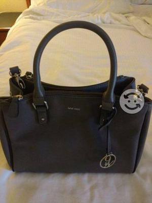 Se venden bolsas de marcas originales