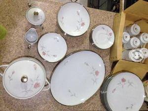 Vajilla de porcelana con recubrimientos de plata