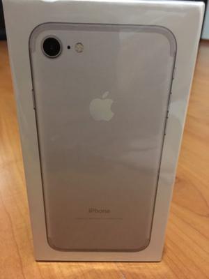 iPhone 7 32GB color plata nuevo en caja sellada