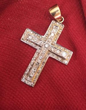 Cruz de oro y brillantes nueva $ negociable