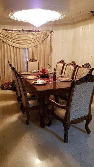 Comedor 8 sillas con vitrina