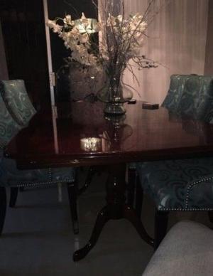 Mesa para comedor de caoba