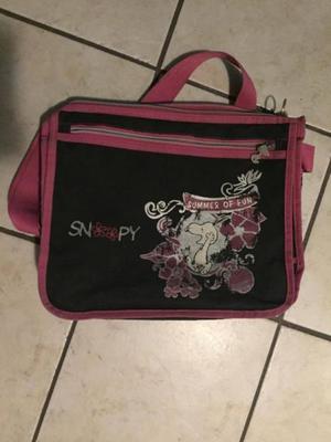 Mochila Snoopy negro con rosa