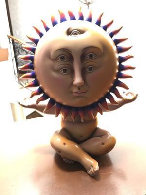 Sol Meditando del escultor sergio Bustamante