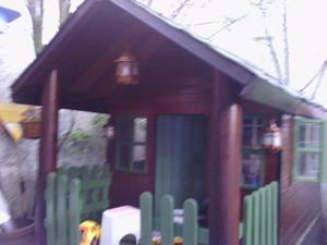vendo casa de madera para niños