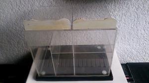 Exhibidor de Acriico Multiusos 30 x 25 x 20 cms.