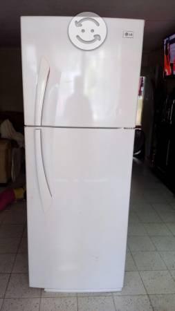 Hermoso refrigerador LG 13 pies practi hielo