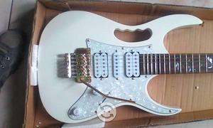 Guitarra Eléctrica Lehnon-White And Gold Steve Vai