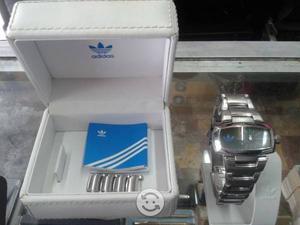 Reloj adidas unisex acero fechador contra agua