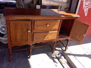 varios muebles antiguos