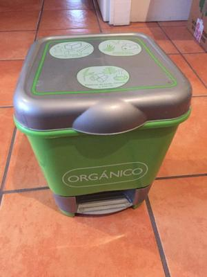 Bote de basura orgánica con tapa