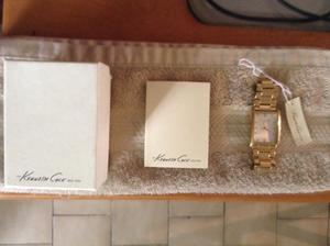 Reloj caballero marca Kenneth Cole.