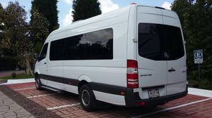 Renta camioneta para 20 pasajeros