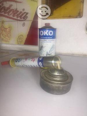 Bomba de insecticida antigua