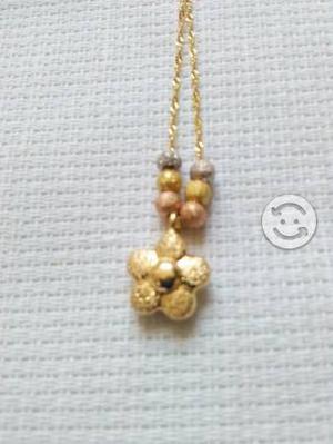Gargantilla con pendiente de flor oro de 14 Kilate