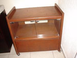 Mueble para tv cd s puerta de cristal posot class for Mueble giratorio 08