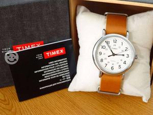 Reloj timex originals correa de piel,luz,cristal m