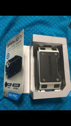 Bocina Bluetooth marca Braven nueva en su caja sin usar.