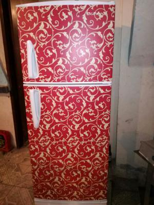 Refrigerador de 16 pies bonito