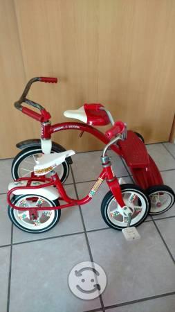 Triciclo y mini bicicleta de coleccion