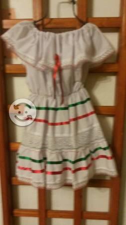 Vestido mexicano para fiestas patrias
