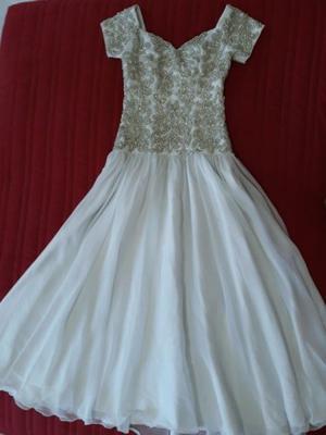 Venta Vestido XV años (bordado), incluye Bouquet