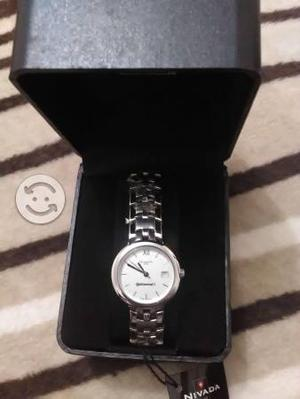 Reloj NIVADA nuevo, nunca usado, en su caja