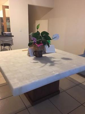 Mesa de comedor Mila Nuez, Ónix