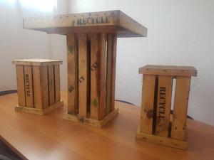 1 Mesa y 4 Bancos