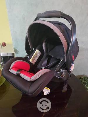Portabebe y base para auto babytrend