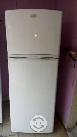 Refrigerador mabe de 13 pies en buen estado