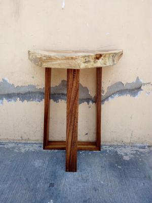 Excelente mesa de parota cob recina